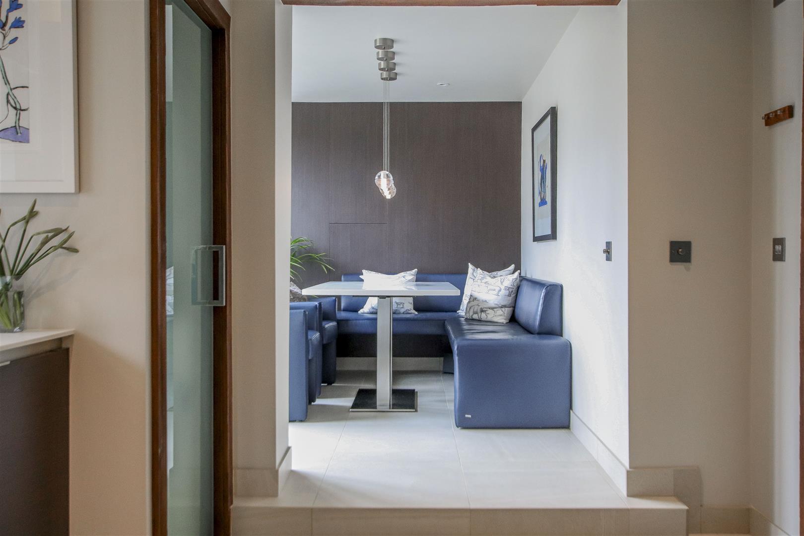 5 Bedroom Semi-detached House For Sale - 7.JPG
